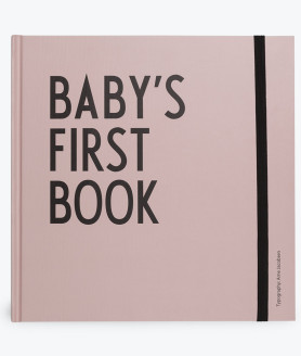 Design Letters babys first book lyserød